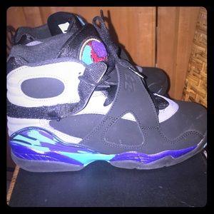 buy online b1315 45119 Air Jordan Shoes - Worn Once Air Jordan 8 Retro BG 305368-025 Size 6y